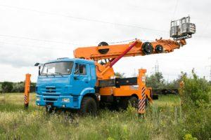 аренда автовышки 30 - 35 метров вездеход в Москве и области